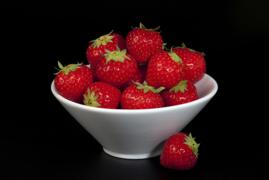 White Bowl with Strawberries. V10BEL0370