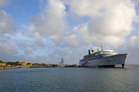 Cruise ship at Bonaire